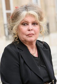 """Brigitte Bardot remercie """"son Premier ministre préféré"""" Poutine"""