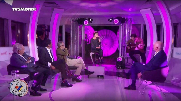 Nolwenn Leroy - Caps de TV5monde 21/09/2017