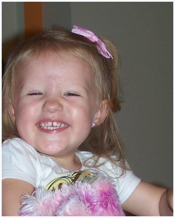 Joyeux anniversaire à ma petite princesse 3 ans aujourd'hui