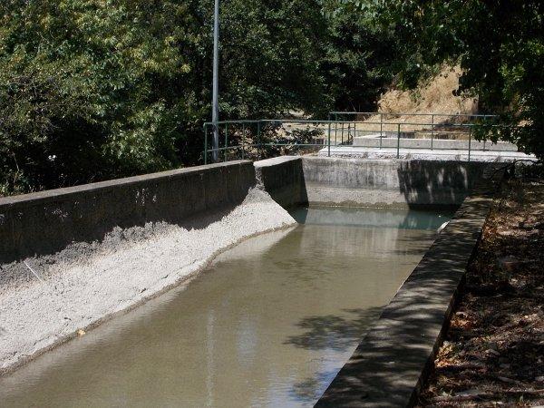 balade  sur le  bord  du canal