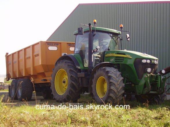 voila le tracteur avec la remorque