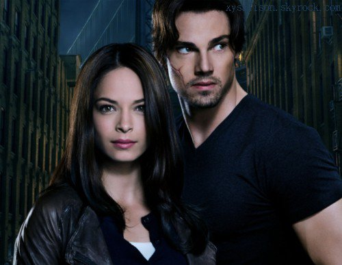 Beauty and the Beast : first promotional picture & first clip. Kristin and Jay at the CW 2012 Upfront.