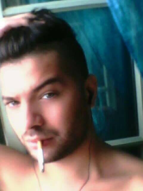 Holà à tous, je m'appel Diego j'ai 20 ans et Celib attendez plus ☺