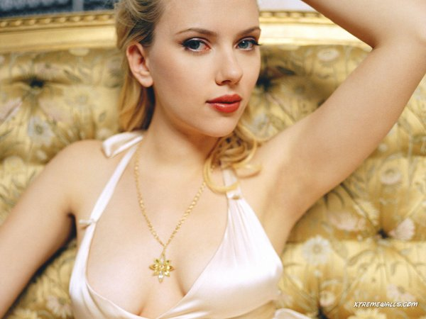 2/ Scarlett Johansson