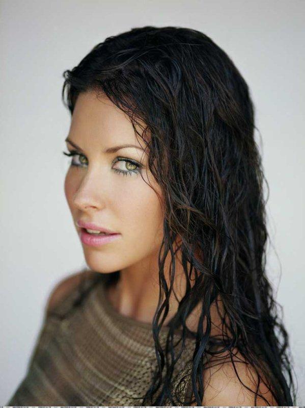 4♥ Evangeline Lilly