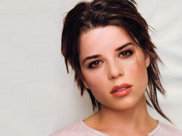 3♥ Neve Campbell