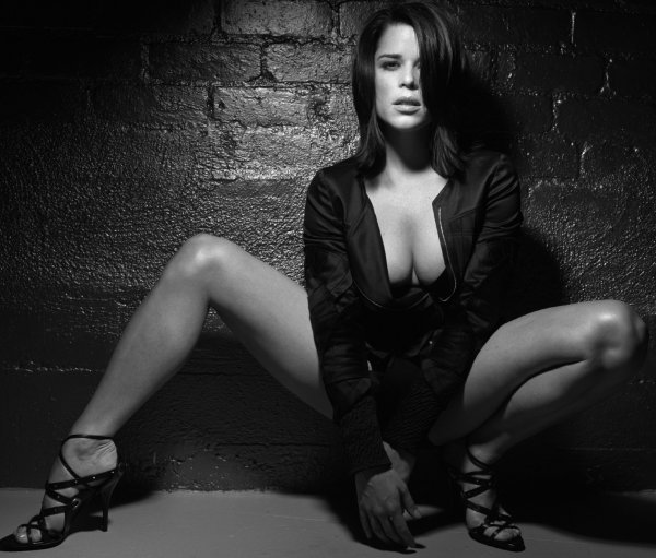 4♥ Neve Campbell