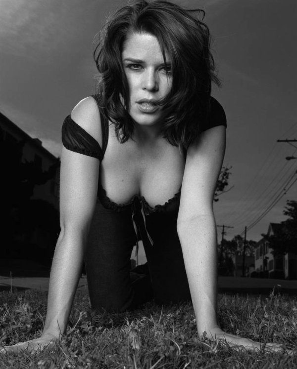 5♥ Neve Campbell
