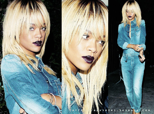 ". 03/02/12 Rihanna au restaurant « Giorgio Baldi » à Los Angeles. 03/02/12 __Rihanna quitte le club _""Roxbury""_ à Los Angeles. 02/02/12 Rihanna assiste à un match de basket à Los Angeles. ."