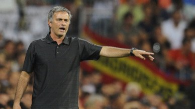 """José Mourinho, """"L'important est qu'Eric Abidal ait une vie longue et heureuse"""""""