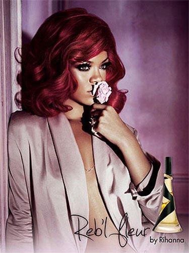 .Rihanna et son nouveau parfum. REBELLE FLEUR .