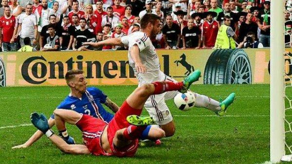 Islande Hongrie  A deux minutes près...