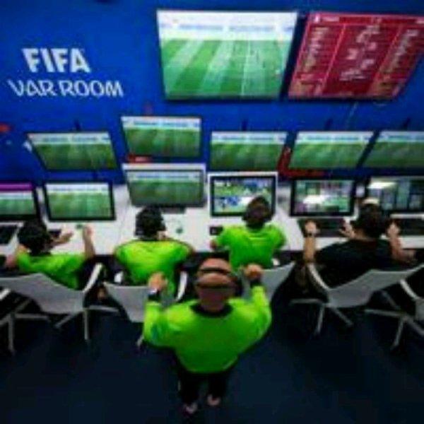 Débats sur la deuxième journée des phases de poules de la Coupe du Monde 2018