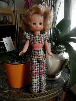 La garde-robe de Lesly s'accroît...