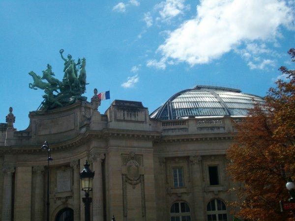 Une statue equestre au Grand Palais