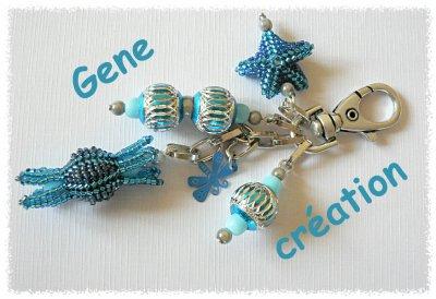 Porte-clef ou bijou de sac bleu