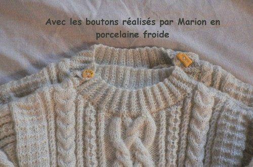 2 petits pulls tricotés