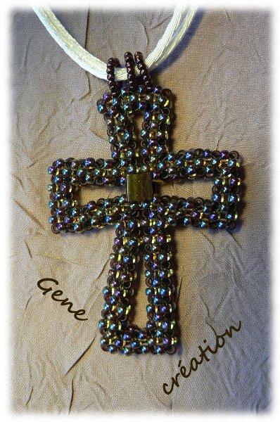 Pendentif Croix en RAW