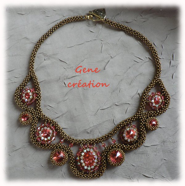 "Encore un collier ""bling-bling Bollywood"""