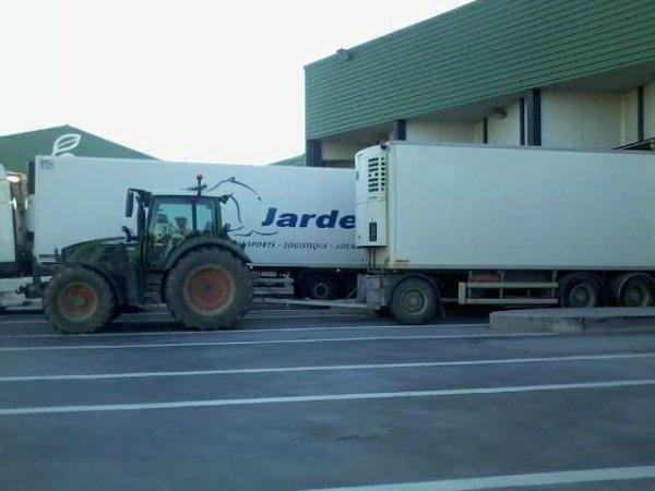 blagounette ... quel beau tracteur ...  perpignan