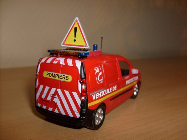 Renault kangoo VL Protection sdis17 by Minia17