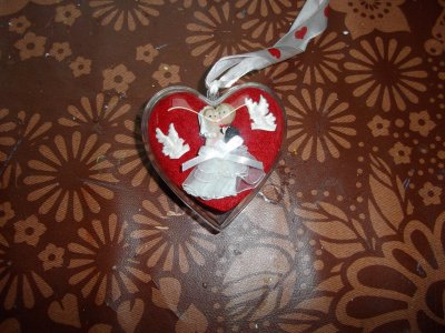 Coeur que les mariés accrocheront a leur sapin a chaque noêl