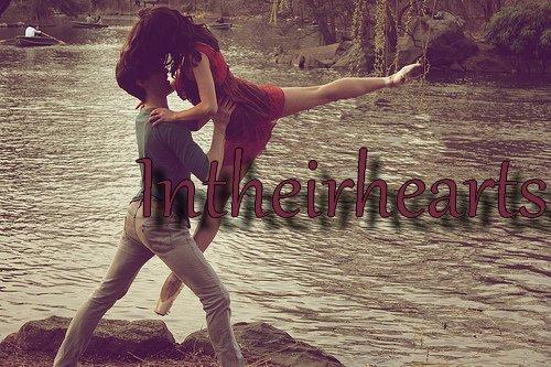 Tu trouveras, dans la joie ou dans la peine, ma triste main pour soutenir la tienne, mon triste coeur pour écouter le tien. - Alfred de Musset