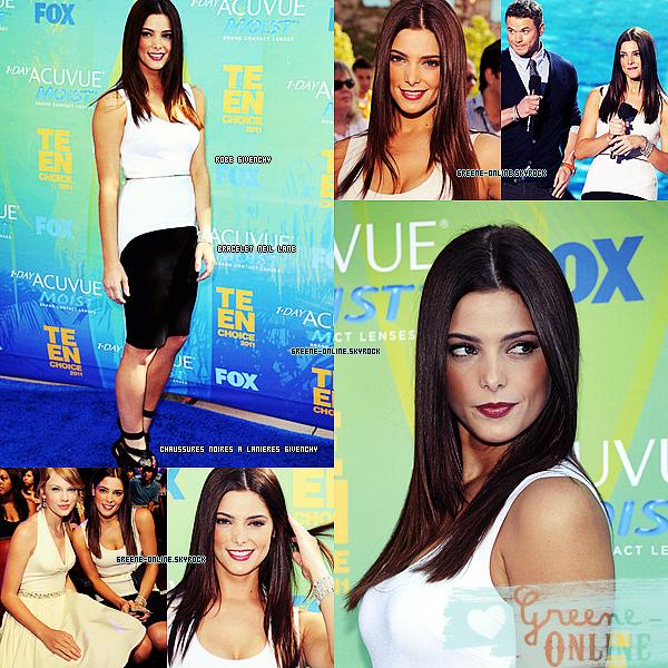 TEEN CHOICE AWARDS 2011  Ashley s'est rendue le 7 août au teen choice awards , et à gagné ( l'équivalent de )  l'award du meilleur second rôle féminin pour Alice Cullen dans Twilight .