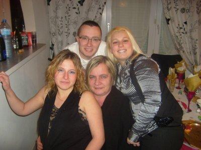 belle maman,les 2 belles soeurs & mon homme