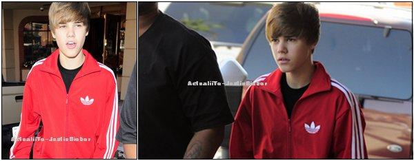 . Justin sortant d'une visite médicale ce 27 octobre .