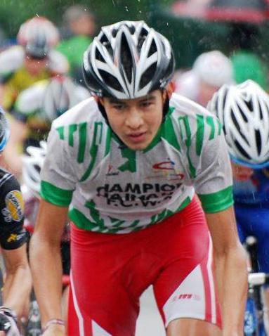 Pollare 16 juillet 2011 jonas avec sont maillot champions  du Hainau 2011
