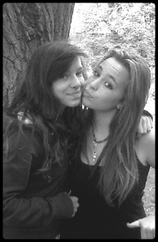 Sherriyane & Alexanaa (L)