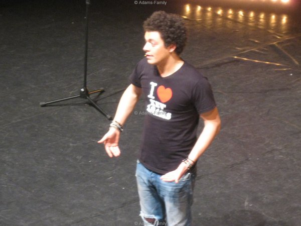 Kev Adams, Arras le 30 janvier 2012