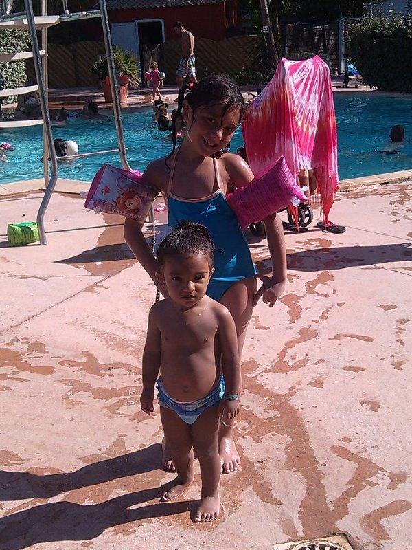Nous a la piscine