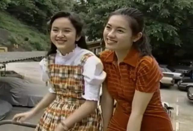 Loletta Lee et Gloria Yip dans un reportage japonais