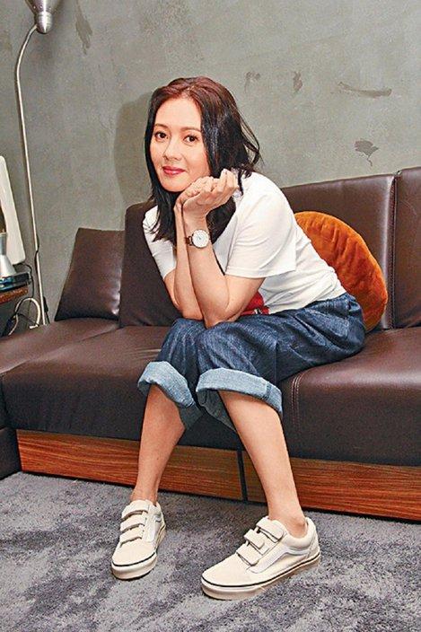 La trés jeune et jolie Loletta Lee en interview (26 Septembre 2019)