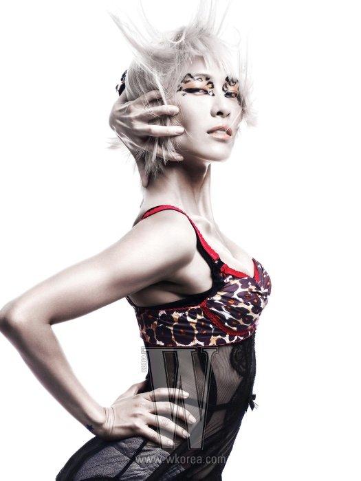 W ~ Septembre 2010 Model : Kahi★