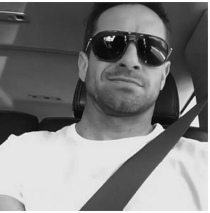 - Instagram Le beau Ian Bohen a posté deux vidéos sur sa story en compagnie de notre belle Holl R. Plus : Ian et la sublime Holland ont prit l'avion ensembles. Ce petit duo qu'on aime par dessus tout sont tellement mignons ensembles. - -