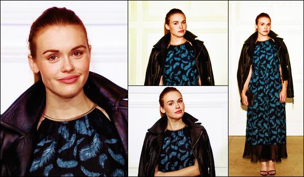 - 05/09/2017: Notre jolie rousse s'est rendue à la soirée de Rachel Zoé pour sa nouvelle collection. Plus : Je ne suis pas vraiment fan de la tenue, je trouve que ça fait super vieillot ! Qu'en penses - tu ? C'est un gros flop pour ma part. -
