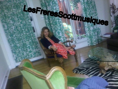 Photoshoot de Bethany Joy Lenz  (Zooey Magazine)