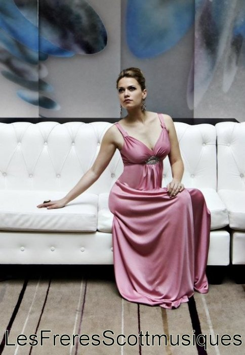 Photoshoot Bethany Joy Lenz ( 2011 )