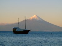Le Chili, un cigare de quatre milles kilomètres dont le bout incandescent s'appelle la Terre de Feu.