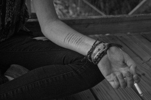 « Des amis sont censés s'aider, mais moi, je n'ai fait que les faire souffrir.. »
