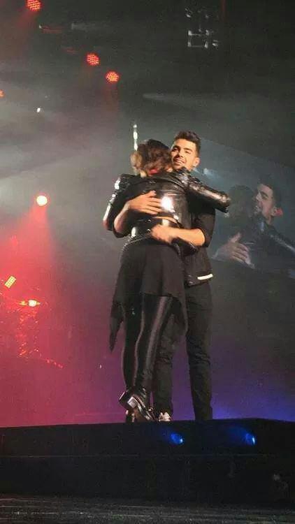Demi et Joe sur scène !