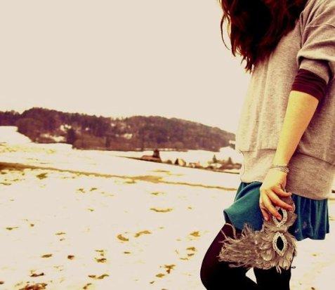 « Il est possible de s'habituer à l'absence des gens qu'on aime à la seule  condition que d'autres viennent prendre leur place. Mais il se trouve que  parfois, une personne très particulière est étrangement irremplaçable. » sun--ray
