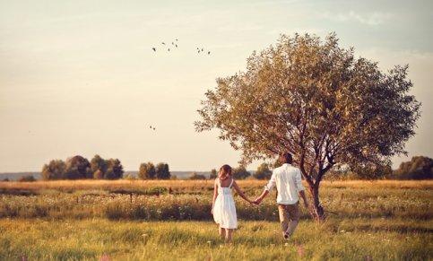 « Parfois, c'est en croisant le regard d'une personne de notre passé qu'on se rend compte que l'on n'avait pas envie de l'oublier. On n'a simplement pas eu le choix. »