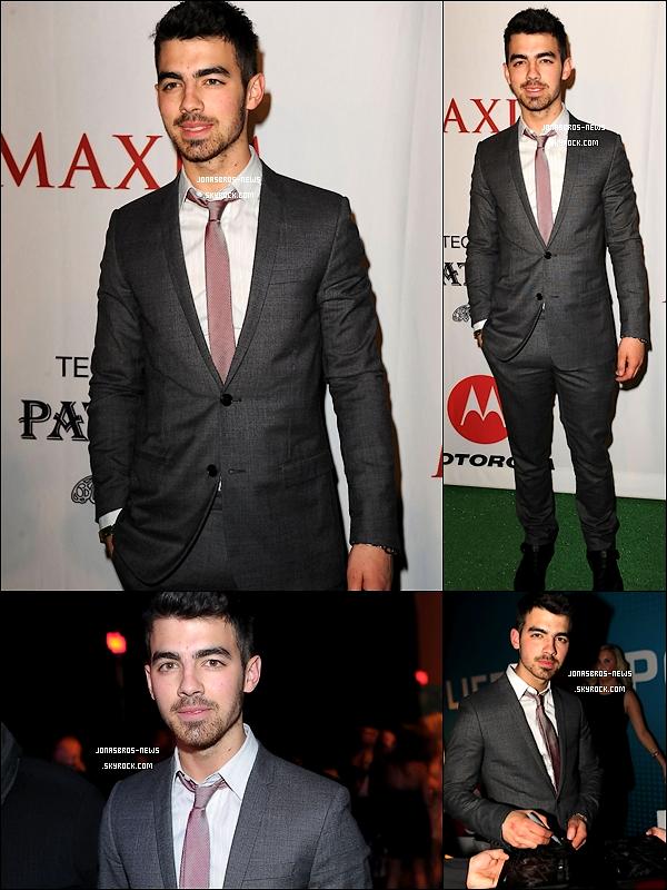 05/02/10 : Joe s'est de nouveau rendu à une soirée, cette fois ci à la soirée Maxim. Euuuh la barbe ...   %)