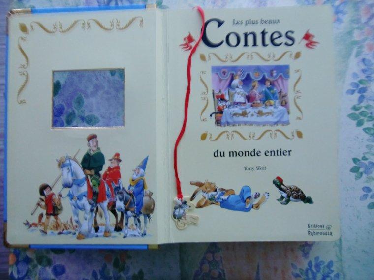 A VENDRE                    CONTES du MONDE ENTIER - illustrations Tony Wolf - Sabine MINSSIEUX
