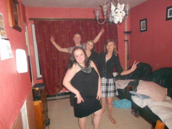moi ma tante et ma cousine et mon cousin