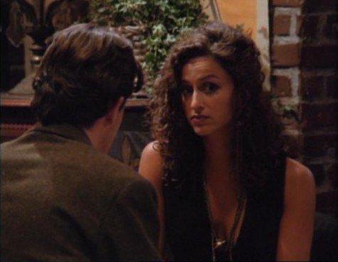 Sofia Milos (Aurora) : la femme juive dans l'armée israélienne avec Chandler Bing alias Matthew Perry !